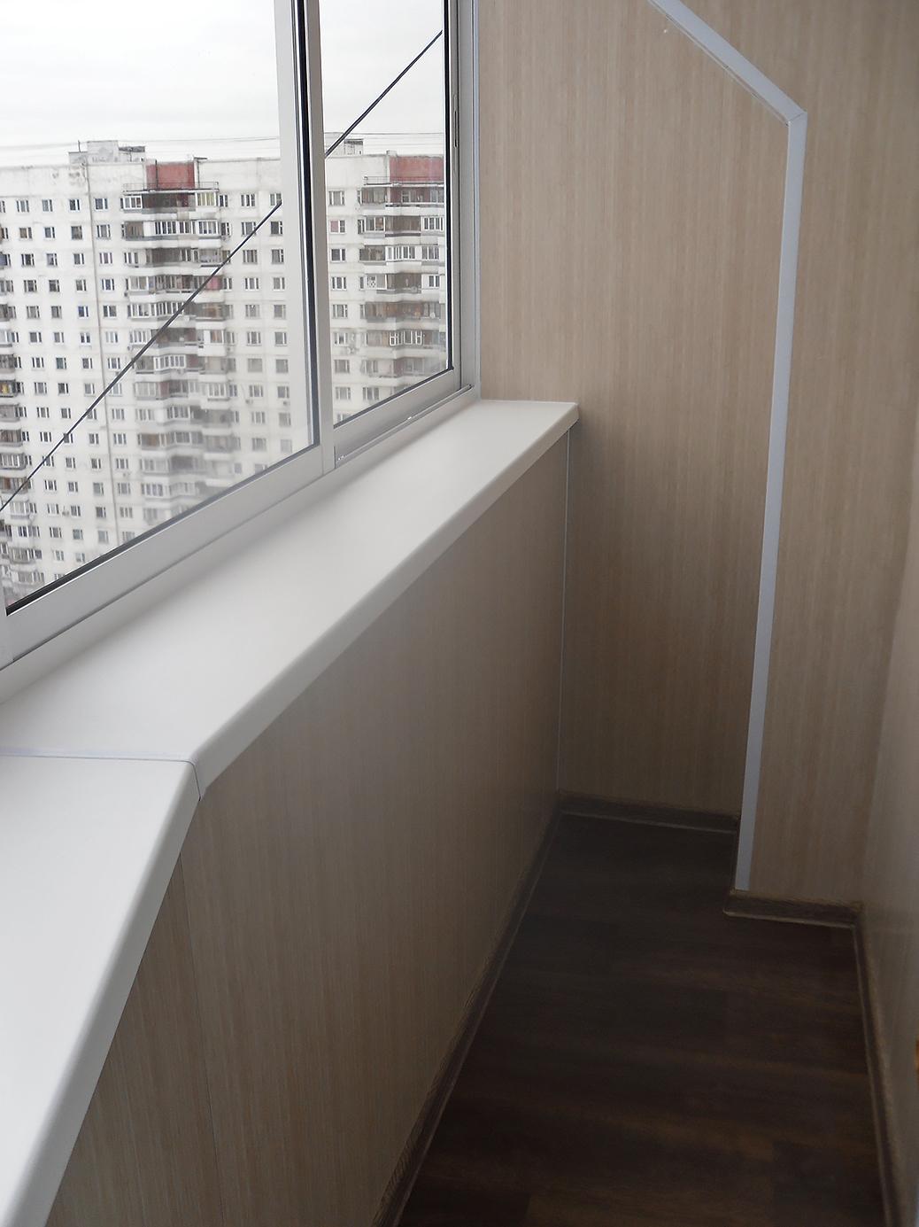 Стоимость балкона с выносом по подоконнику, полу - 3290 р м.