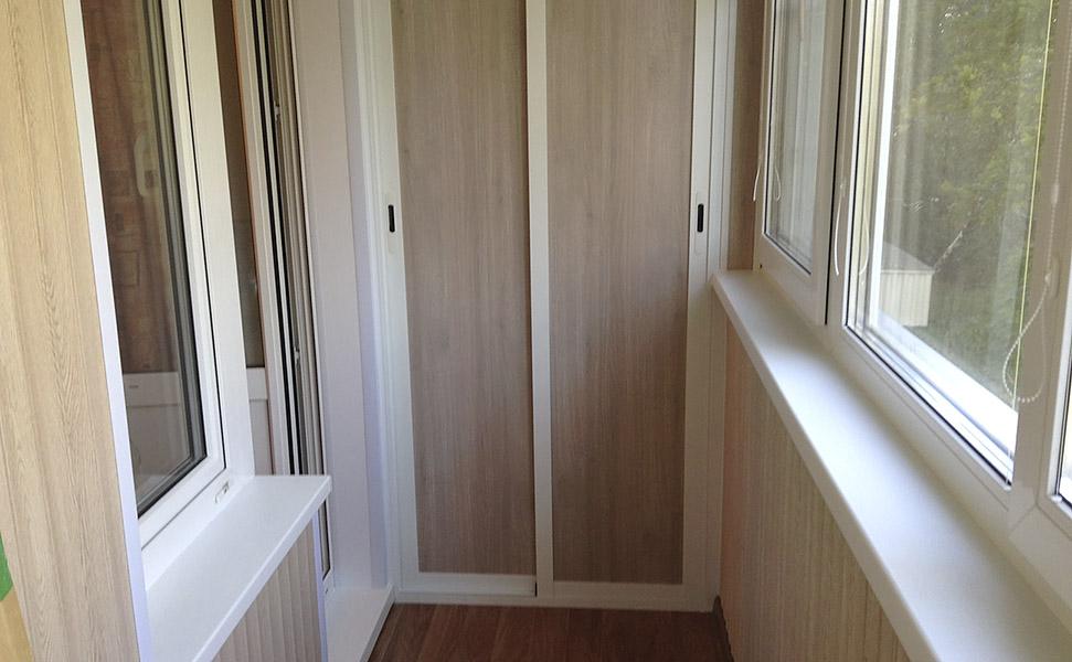 Шкаф на балконе с пвх панелей.